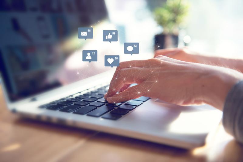 Diensten--social-media1